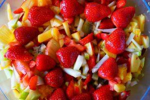 תותים בסלט