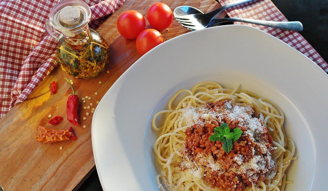 איך להכין ספגטי בולונז בלי ללכלך את המטבח?
