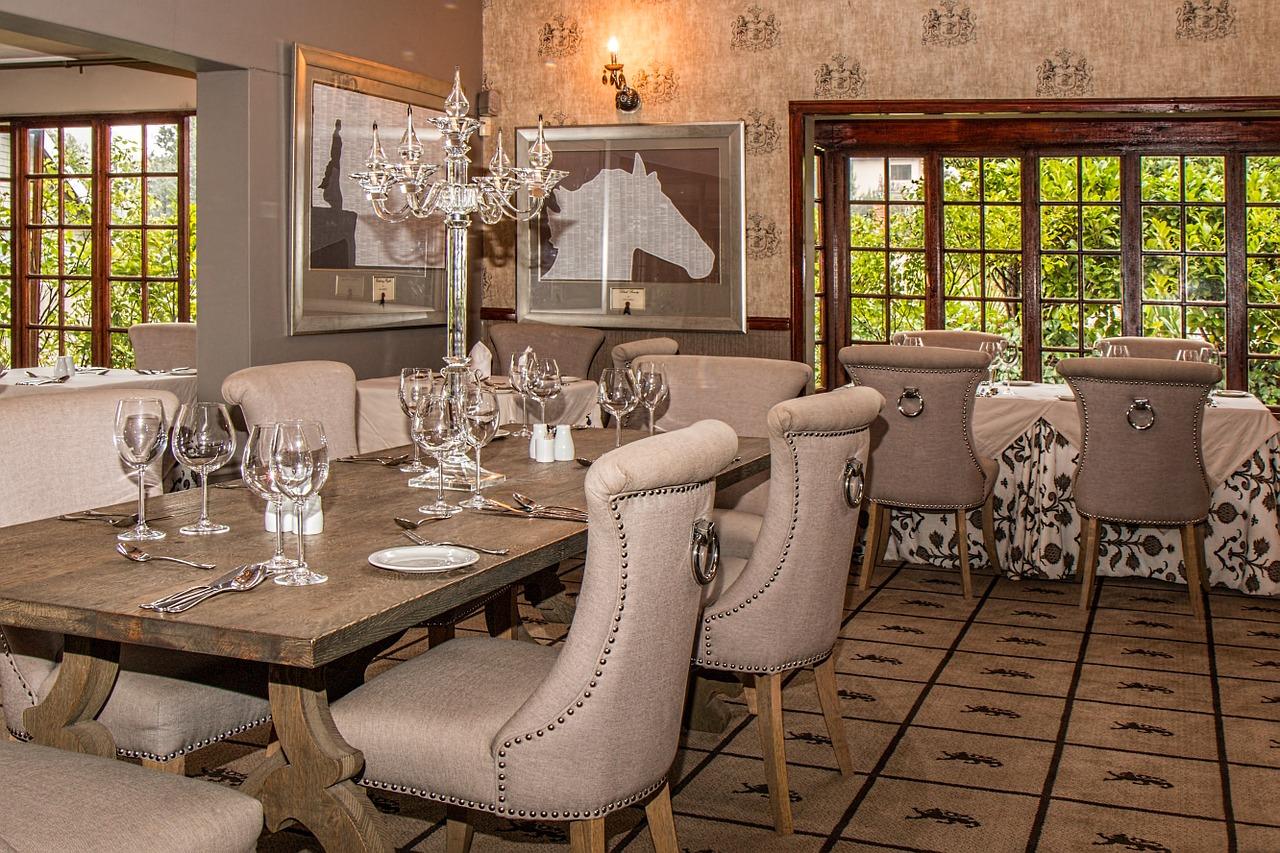 שולחן אוכל בסלון או במטבח - היכן כדאי?